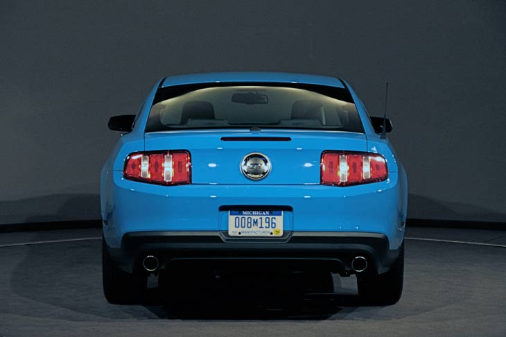 Ford Mustang 2010.