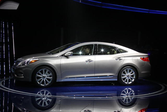 Hyundai Azera 2012.