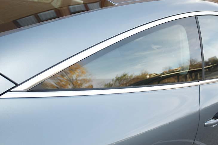 Renault Laguna Coupé 2.0 dCi GT al detalle
