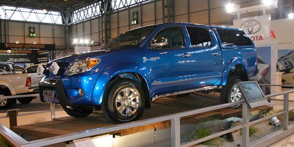 Toyota también recorta su producción
