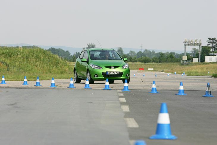 Gracias a la reducción de peso, el nuevo Mazda2 ofrece bajos consumos