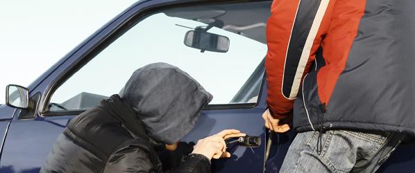 Condenado por simular su propio robo de coche