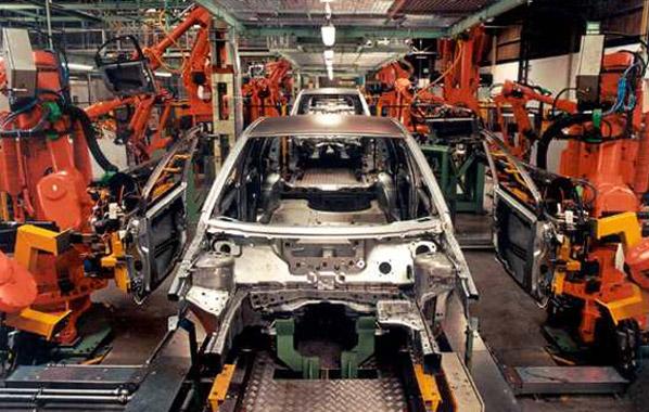 Las ventas de industriales caen a la mitad