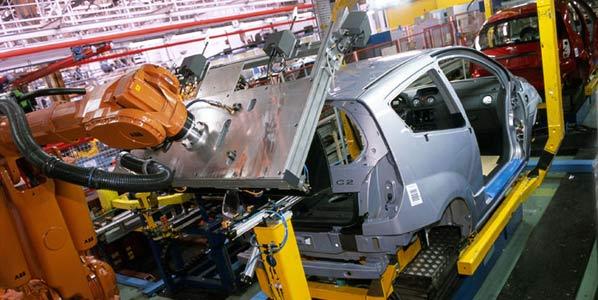 El Gobierno inyecta 800 millones a la industria