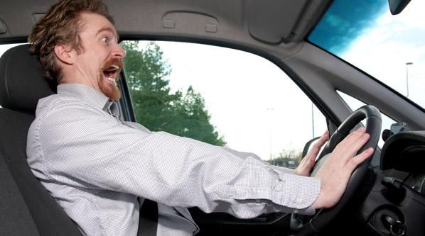 ¿Frena tu coche correctamente?
