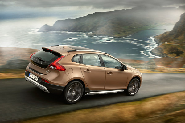 volvo v40 cross country 4x4. Black Bedroom Furniture Sets. Home Design Ideas