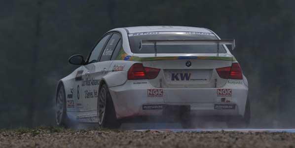 Farfus en la pole con BMW