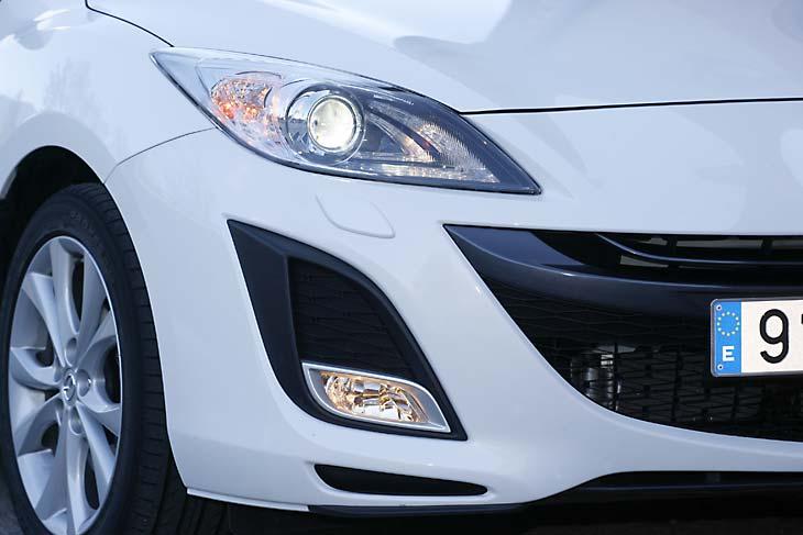 Mazda 3 1.6 S-VT vs. Mazda 3 2.2 CRTD, al detalle