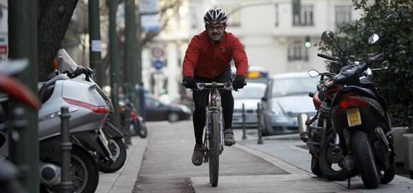 Multado un ciclista por saltarse un semáforo