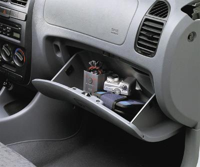 Nuevo Hyundai Accent 2003 (interiores)