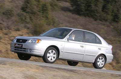 Nuevo Hyundai Accent 2003 (exterior)