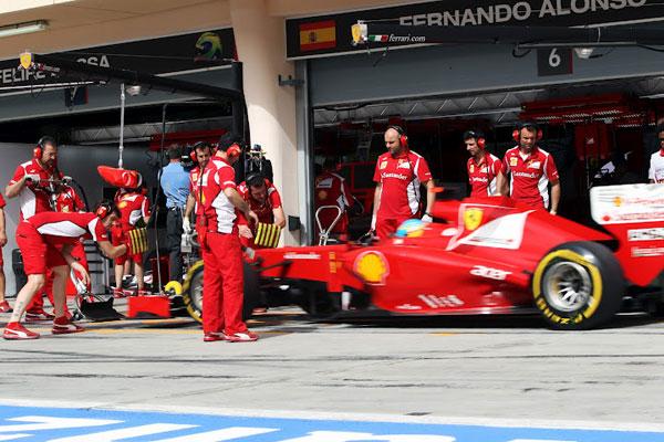 Novena posición para Fernando Alonso en Bahrein, que intentará escalar posiciones jugando con una estrategia diferente al resto
