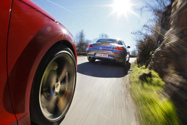 Audi TT RS vs BMW Z4