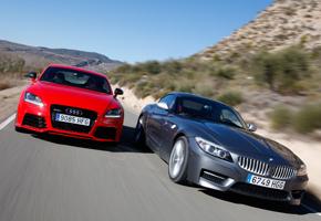 Audi TT-RS vs BMW Z4 35is