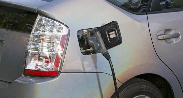 Farolas para cargar los coches eléctricos