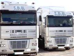 Los transportistas, acosados por Fomento