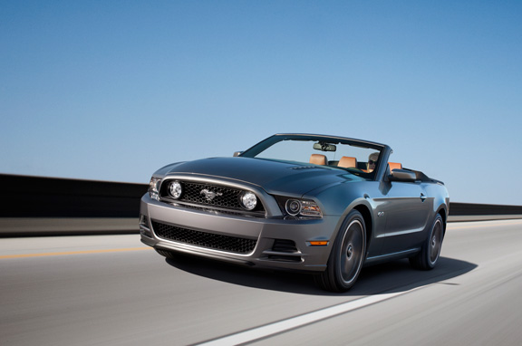 Ford Mustang 2013.
