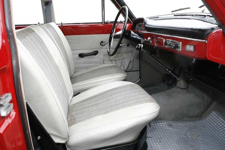 Volvo 122 S de 1964: interiores