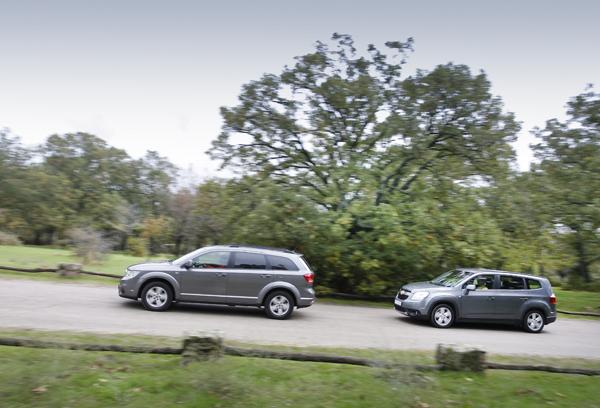 Chevrolet Orlando vs Fiat Freemont