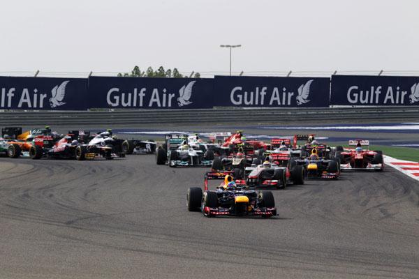 Alonso subió desde la novena hasta la quinta posición en los primeros metros