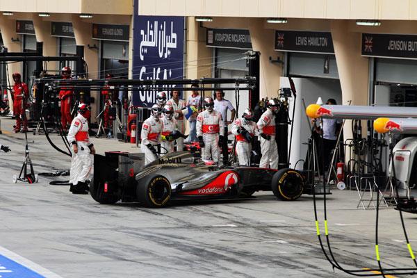 Jenson Button se retiró a falta de dos vueltas del final, justo después de entrar a cambiar ruedas por un pinchazo