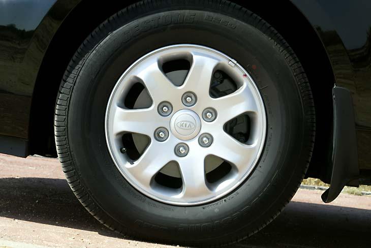 El gran perfil de las ruedas, para favorecer el confort de marcha.