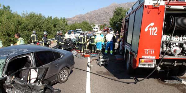 12 muertos en carretera en el puente de Todos los Santos
