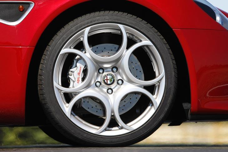 Alfa 8C Competizione: exteriores