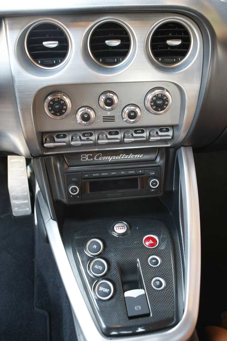 Alfa 8C Competizione: interiores