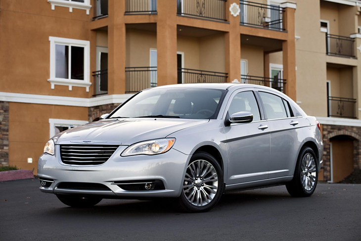Nuevo Chrysler 200.