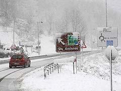 Tráfico pide prudencia ante el mal tiempo