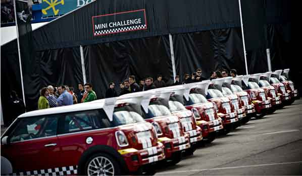 Los Mini calientan motores