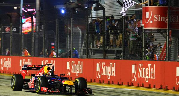 Vettel, el rey de la noche en Marina Bay