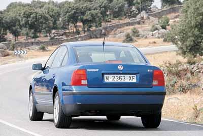 Volkswagen Passat 1.9 TDI 115 CV 1999