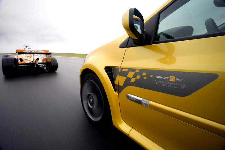 RenaultClioR24F1Team