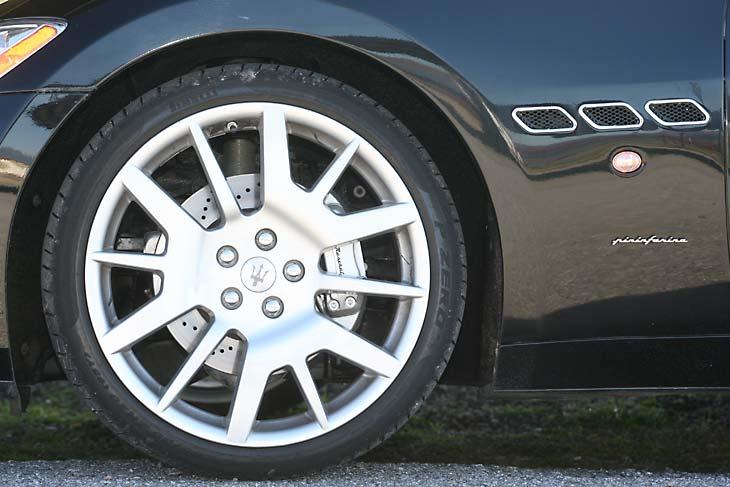 Maserati GranTurismo: detalles exteriores