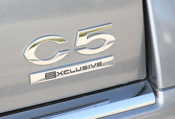 Citroën C5 2.7  Vs Audi A4 2.7: detalles exterior.