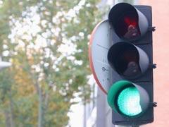 Industria quiere semáforos ecológicos