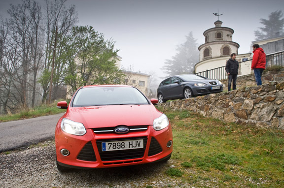 Seat León TSI Copa vs Ford Focus Ecoboost Sport
