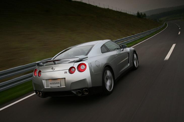 Nissan GT-R: el M6 japonés