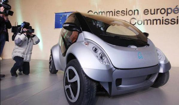 La CE, con el coche eléctrico vasco