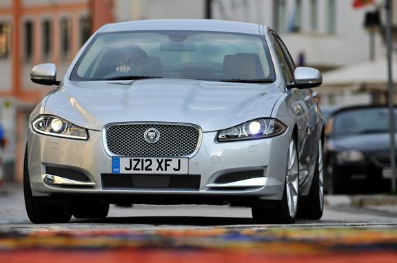 Jaguar XF SE Business y Sport