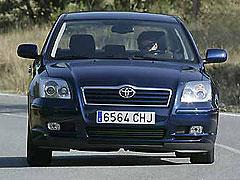 Toyota Avensis 1.8 Sedán Sol