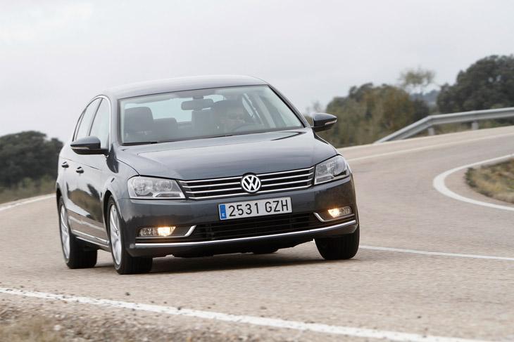 VW Passat vs Renault Laguna
