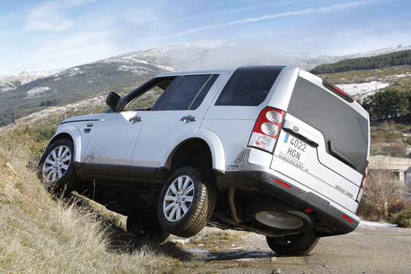 Jeep Grand Cherokee 3.0 CRD vs Land Rover Discovery 3.0 SDV6 y Toyota Land Cruiser 3.0 D-4D
