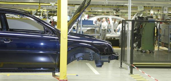 Magna recortará 10.000 empleos en GM Europa