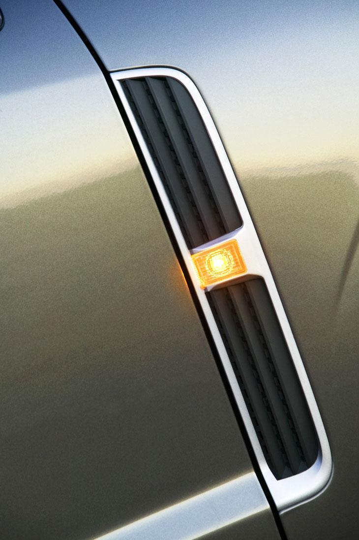 Opel_antara_img