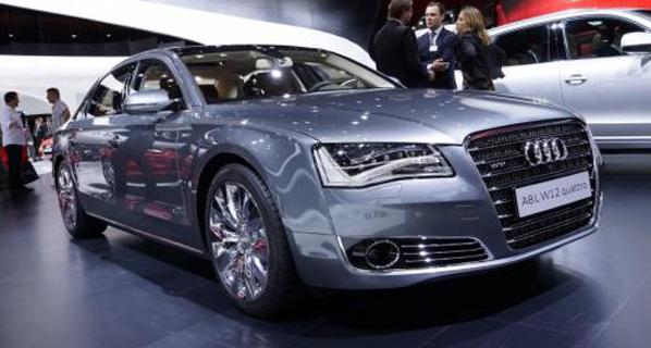 C.La Mancha subastará coches oficiales