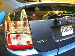 Toyota prueba el híbrido con enchufe