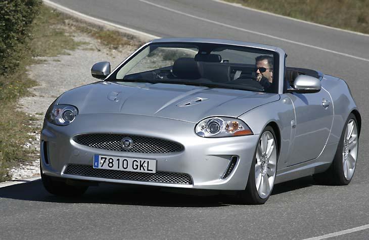 BMW M6 Cabrio vs Jaguar XKR Convertible